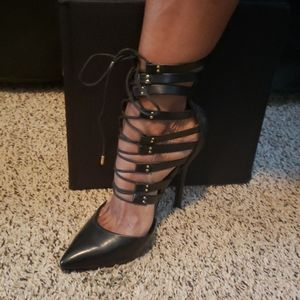 Black strap tie- up pointed toe pumps size 8